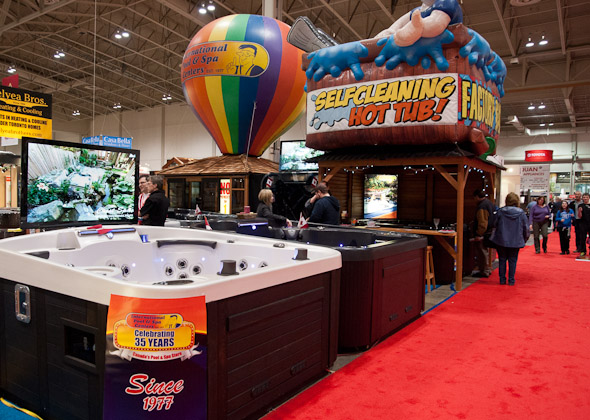 Hot-Tub-Booth-at-a-Home-Show